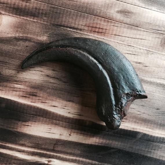 Amulet Raptor Claw EDC
