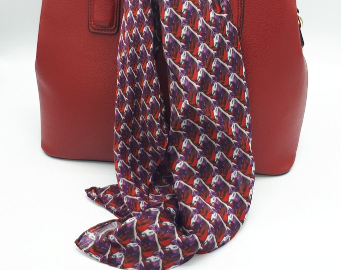 Red patterned scarf in pure hand-sewn silk