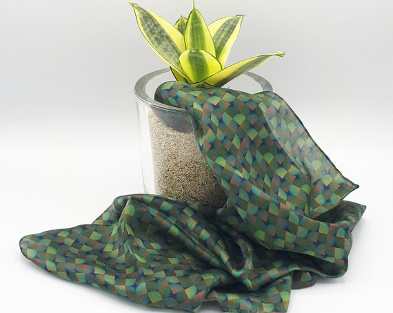 "Pure silk scarf ""Art in print"" pattern green pattern"