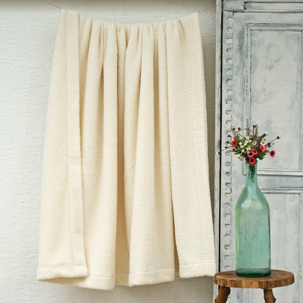 Couverture de toison d'ivoire de reine, couverture de minky, couverture molle chaude de jet d'ivoire, couverture de toison de reine, couverture minky d'ivoire doux, jour de mères