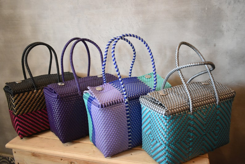 Please Wholesale too!! Handcrafted bags from Mexico hand-woven Handwoven bags made with plastic Check sending cost on description