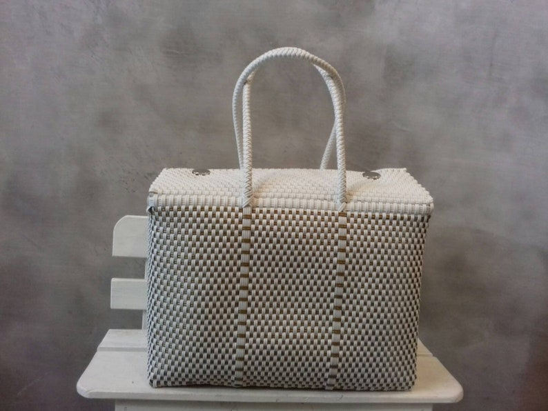 74ef9816c1 Big Bag 16 . Handwoven bags made with plastic. WHOLESALE