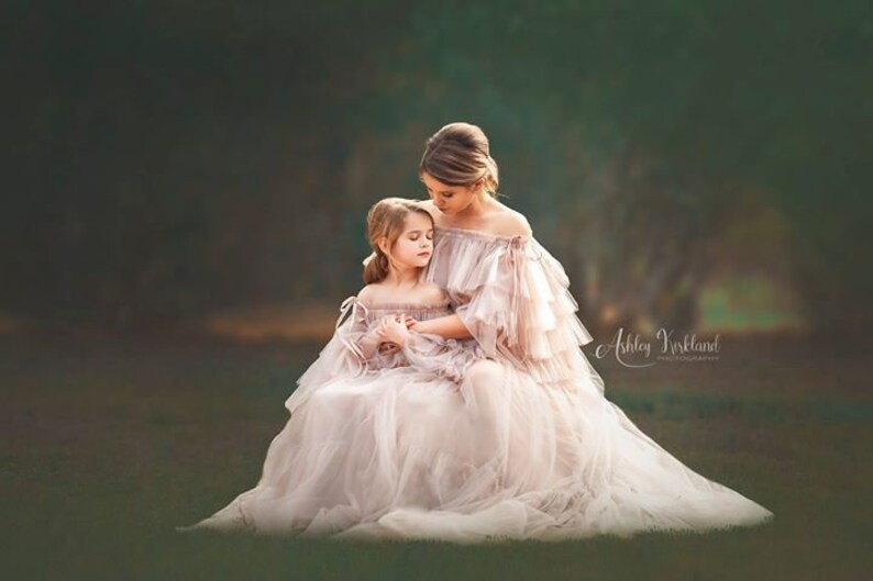 18578b838c960 LEILA Maternity Dress for Photoshoot or Babyshower | Etsy