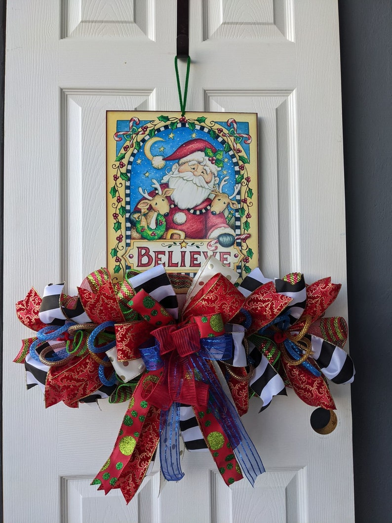 Santa Believe Wreath Rail image 0