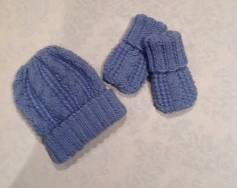 873a2570993 Hand knitted baby cable hat and mittens