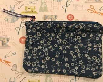 Blue floral zip purse