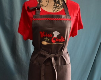 Kiss the Cook apron in grey