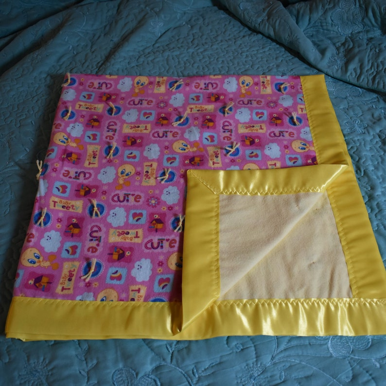 baby/toddler blanket 20 - baby Tweety bird