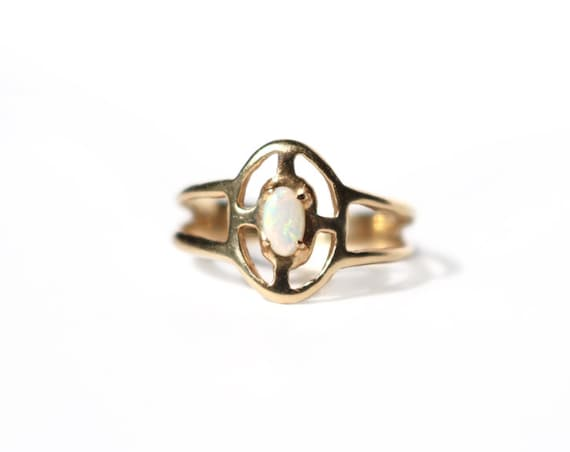 14k Yellow Gold and AAA Opal Ripple Ring