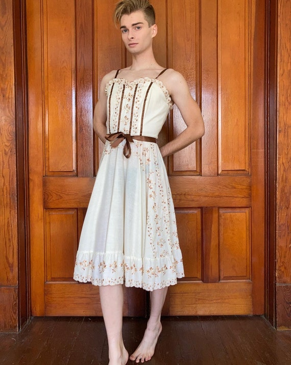 70s Embroidered prairie dress - image 2
