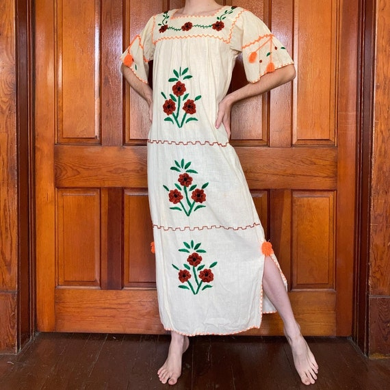 70s Hand embroidered Mexican dress