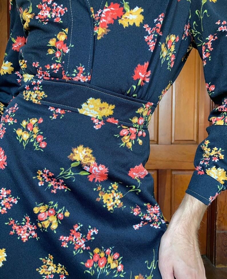 70s Dark floral dress