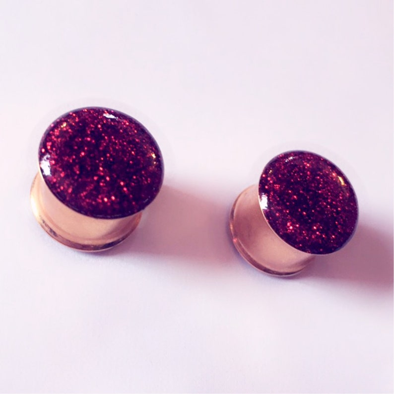 14mm Rose-gold and red glitter plugs!