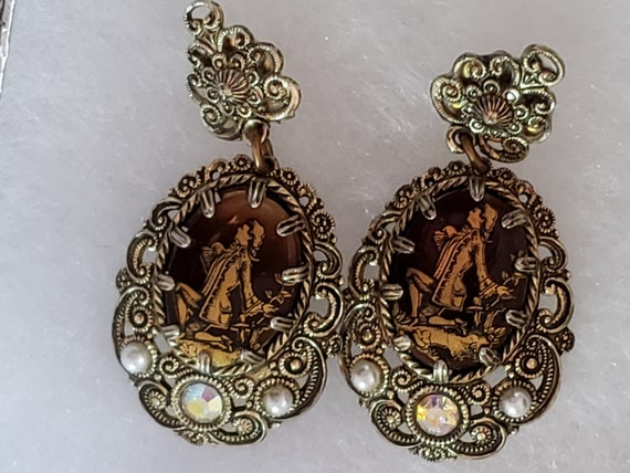 Gold Victorian Filigree Courting Suitor Earrings