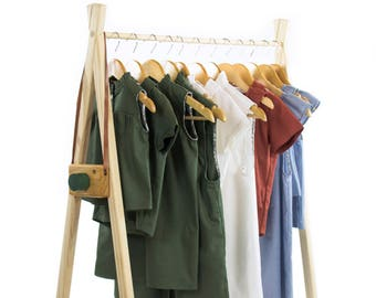 Handcrafted clothes rack | large