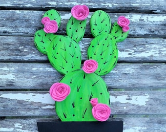 Cactus wall hanging with felt flowers will brighten up any room!