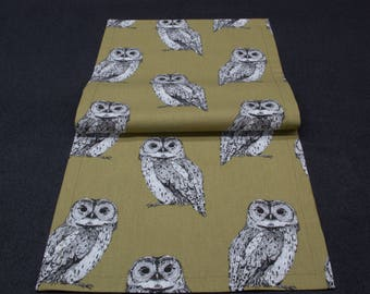 Small table runner with Owls, Brown, 90 x 33 cm