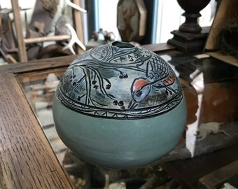 Round Vase with birds and berries / Frieze with songbirds and botanicals / Bud vase / Illustrated clay