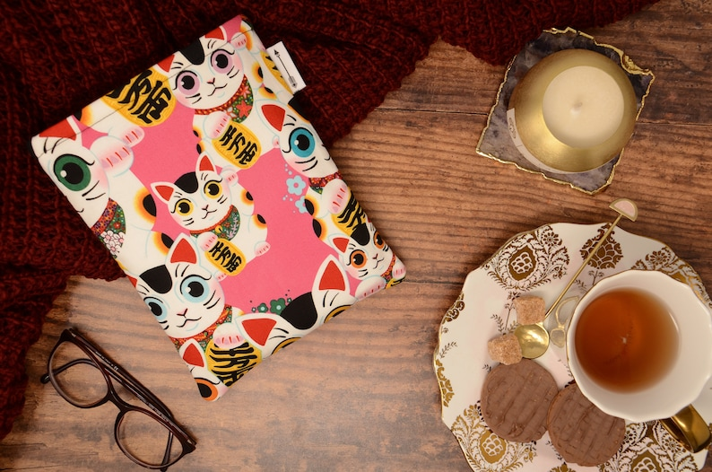 Padded book sleeve made with Pink Chinese Lucky Cat fabric  image 0
