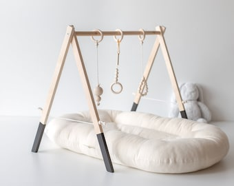 Baby Christmas Gift - Wooden baby gym - Black - Baby activity gym - Natural wood  - Activity Gym - Mobile activity - Montessori - Newborn