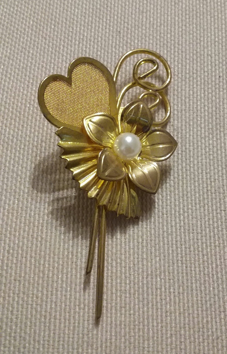 65e8688bb Flower brooch Mesh Heart Brooch gold tone faux pearl | Etsy