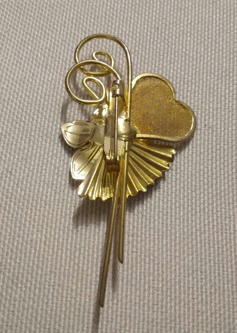 Mesh Heart Brooch faux pearl vintage 1960s gold tone Flower brooch costume jewelry flower with heart