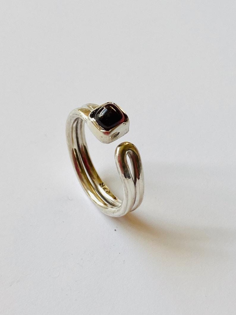 Open silver ring Square garnet
