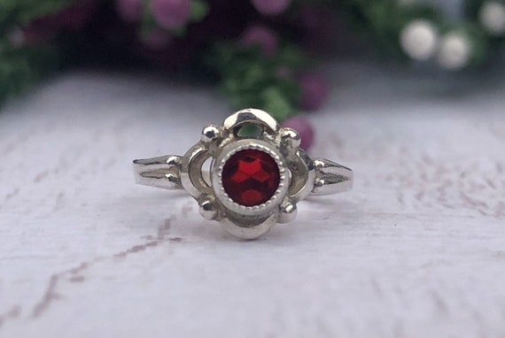 Vintage Silver Children's Ring.