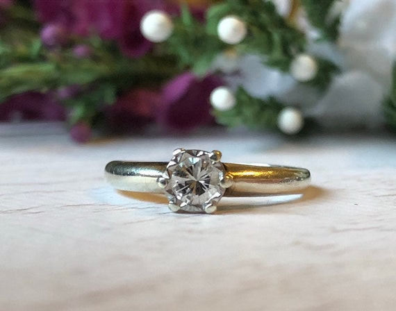Diamond Solitare Engagement Ring in White Gold, Vintage Diamond Ring