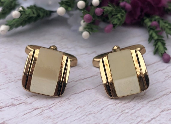 Vintage Lucite and Gold Square Cufflinks