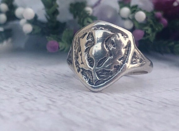 Vintage Scottish Thistle Ring in Sterling Silver.