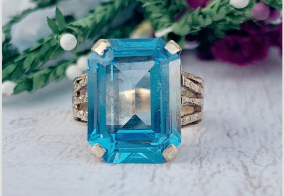 Antique Blue Princess Cut Topaz Ring in 9ct  Gold
