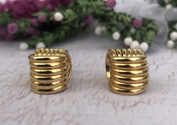 Vintage Gold Chunky Knot Earrings.