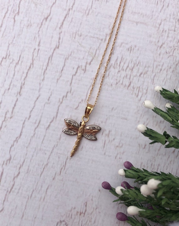 Vintage Dragonfly Necklace in 9 Carat Gold.