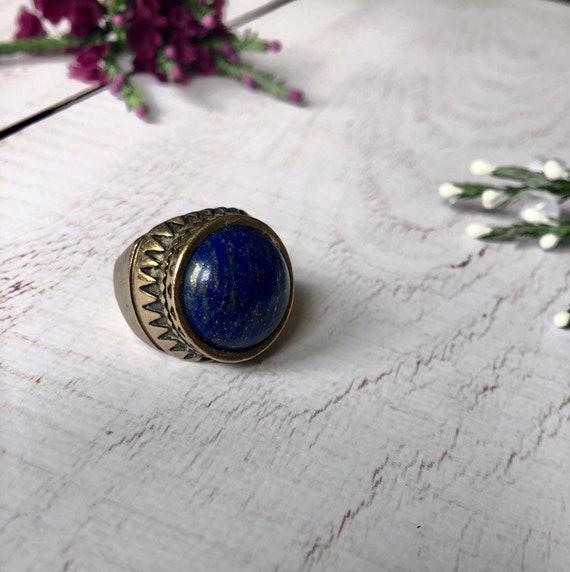 Chunky lapos lazuli statement ring.