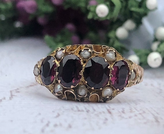 Antique Garnet and Seed Pearl Ring in 9ct Gold. 1891.