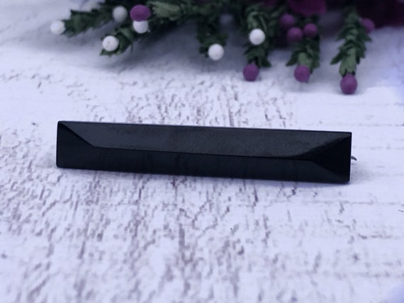Antique Mourning Brooch. Whitby Jet Bar Brooch.