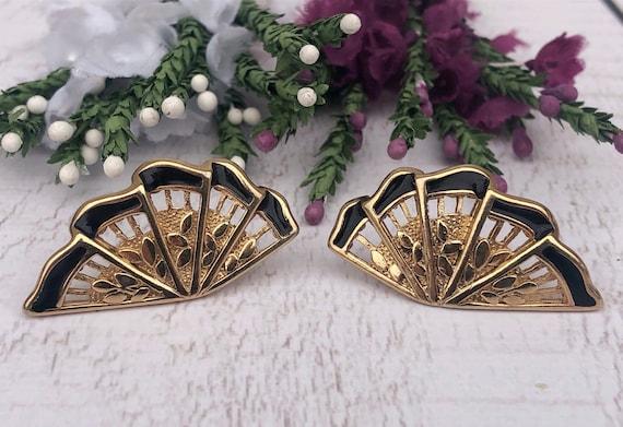 Vintage Chinese Fan Stud earrings.
