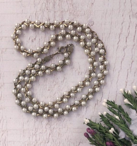Vintage Pearl Chain Necklace.