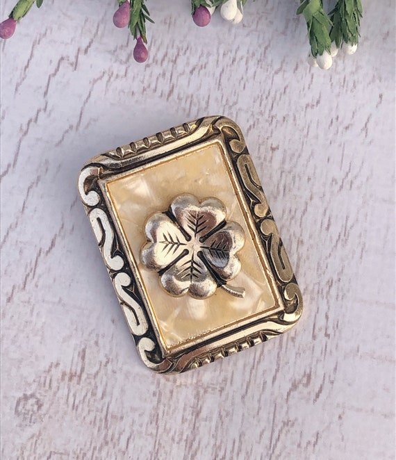 Vintage Lucky Clover Scarf Clip.