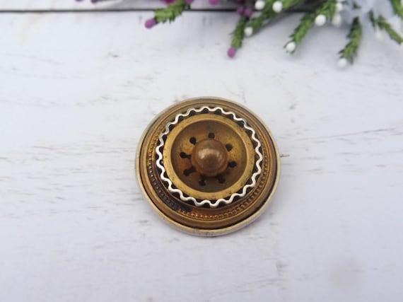 Antique Victorian Pinchbeck Button Brooch.