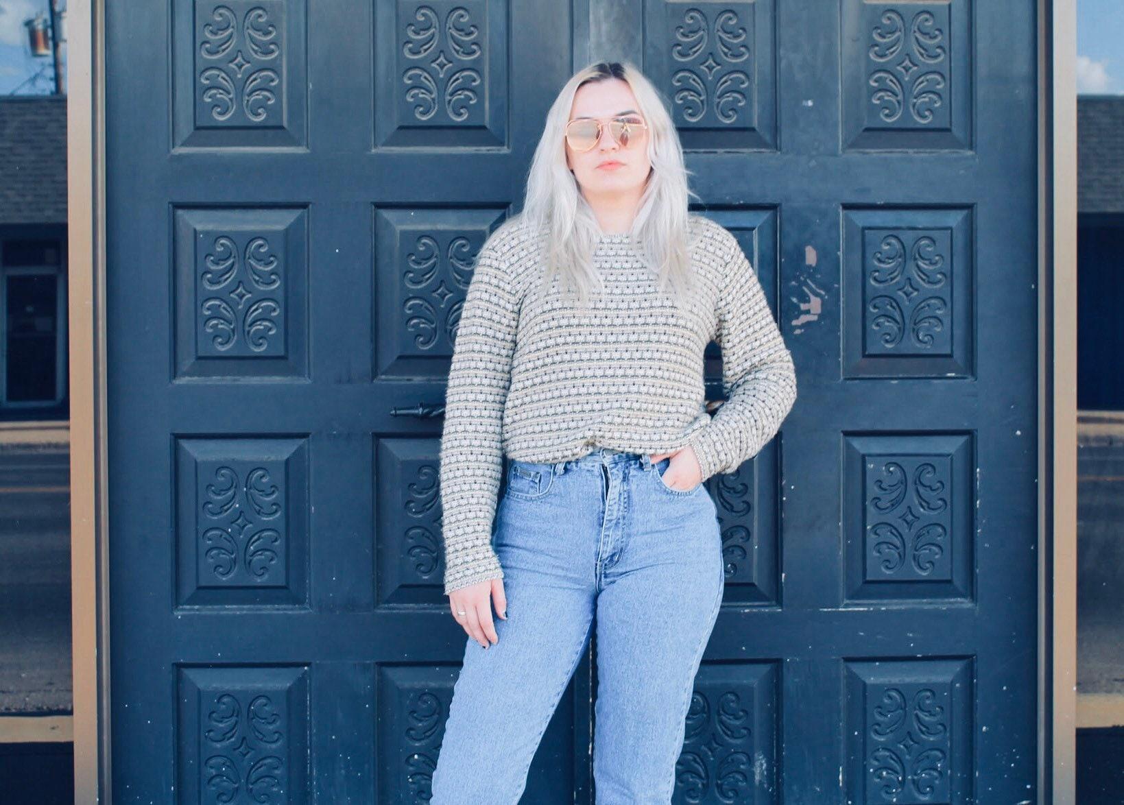 Fashion Bug Sweater Size Large