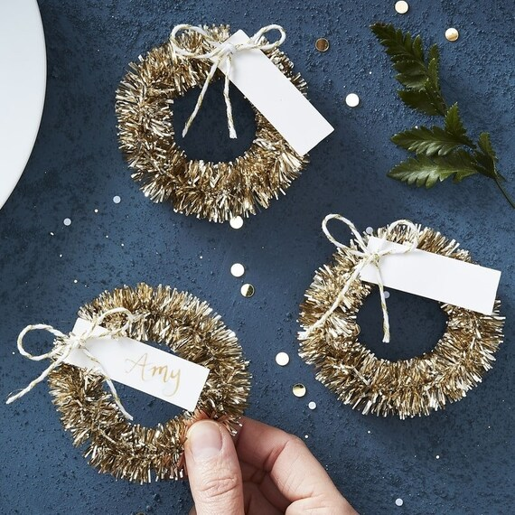 Gold Wreath Place Card Holders, Christmas Wreath Ideas, Festive Party Place Cards, Holiday Season Decor, Place Cards 4pk