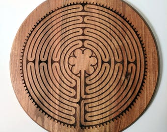 Labyrinth Acacia wood round cutting board, laser engraved Notre-Dame de Chartres Cathedral labyrinth