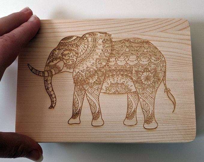 Elephant wooden box, laser engraved. Wood jewellery box, great for photos or as a ring box.