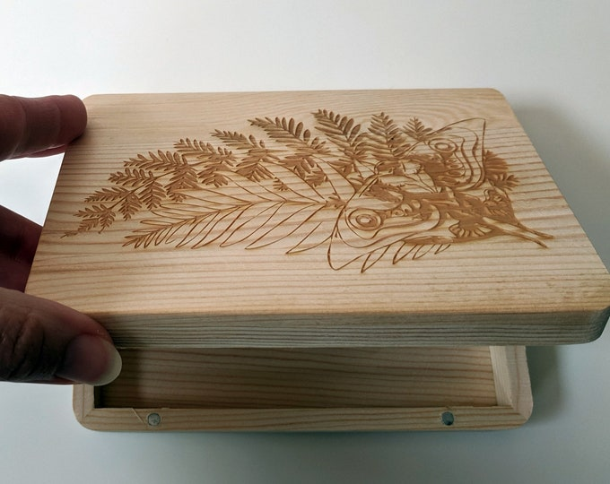 TLOU Ellie's Tattoo wooden box, laser engraved. Wood jewellery box, great for photos or as a ring box. The Last of Us inspired
