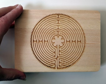 Labyrinth wooden box, laser engraved. Wood jewellery box, great for photos or as a ring box. Notre-Dame de Chartres Cathedral Paris France