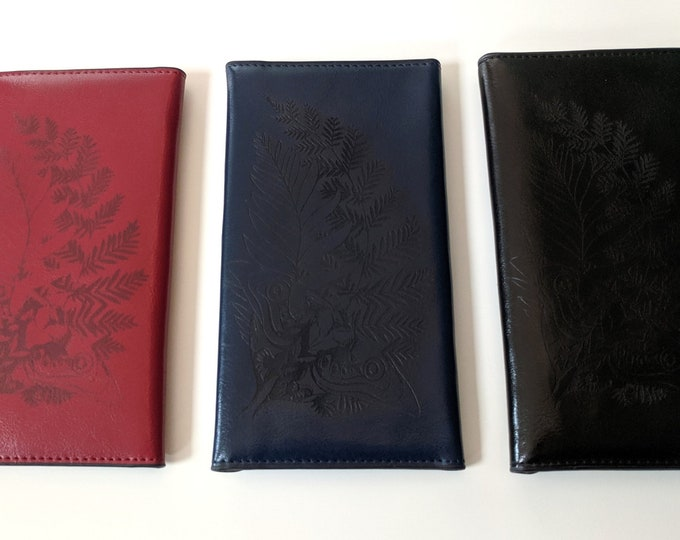 TLOU inspired leather women's wallet, laser engraved with Ellie's Tattoo. Can be custom engraved! 3 Colours to choose from. The Last of Us