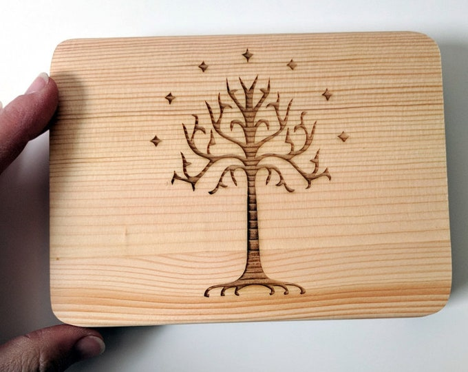 Tolkien wooden box, laser engraved with the Tree of Gondor. Jewellery box, great for photos, rings and other precious items. Customize it!