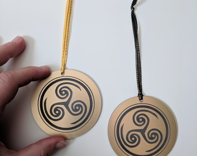 Hellblade: Senua's Sacrifice Christmas tree ornament, metallic gold, laser engraved Christmas tree hanging decoration.